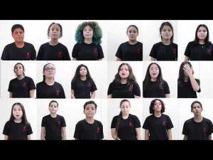 montagem de fotos das crianças do coral. Elas vestem uniforme preto com logo da Unibes em vermelho no peito